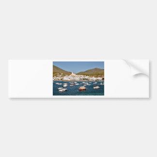 Hafen und Stadt von Cadaqués in Spanien Autoaufkleber