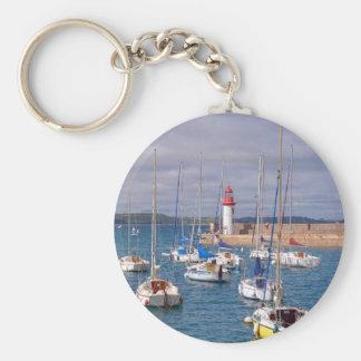 Hafen von Erquy in Frankreich Schlüsselanhänger