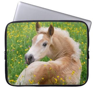 Haflinger Pony-Pferdeniedliches Fohlen im Laptop Sleeve