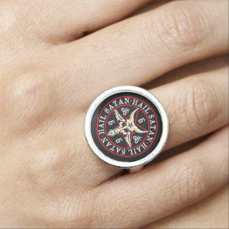 Hagel Satan Baphomet Ziege im Pentagram Foto Ringe