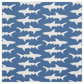 Haifisch-Angriffs-blaue und weiße Schule der Stoff
