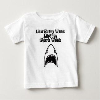 Haifisch-Biss-Baby Baby T-shirt