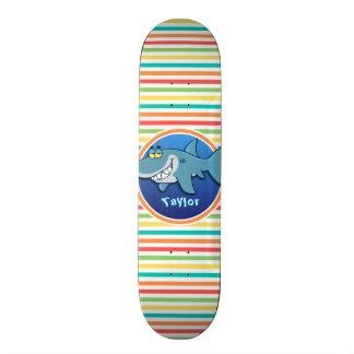 Haifisch; Helle Regenbogen-Streifen Personalisierte Skateboarddecks