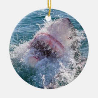 Haifisch im Wasser Rundes Keramik Ornament
