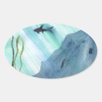 Haifisch-Schwimmen Ovaler Aufkleber