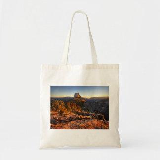 Halbe Haube am Sonnenuntergang - Yosemite Tragetasche