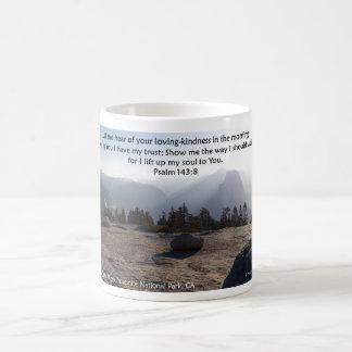 Halbe Haube Yosemite, Schrift von Psalm 143 Kaffeetasse