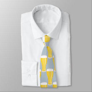 Halbes Liter Bier auf diagonalen Streifen - Krawatte