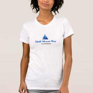 Half Moon Bay, Kalifornien - blaues Segel T-Shirt