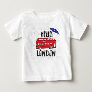 Hallo Handmit buchstaben gekennzeichnetes Zeichen Baby T-shirt