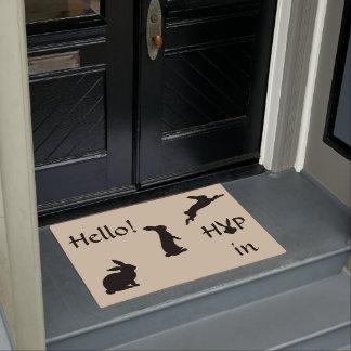 Hallo Hopfen im Willkommen mit dem Häschen im Türmatte