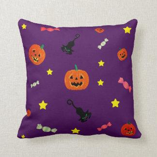 Halloween-Nacht. Trick oder Leckerei Kissen