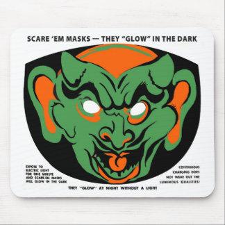 Halloween Retro Vintage Kitsch-Schrecken Em Maske Mousepad