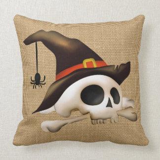 Halloween-Schädel mit Knochen-und Hexe-Hut Zierkissen