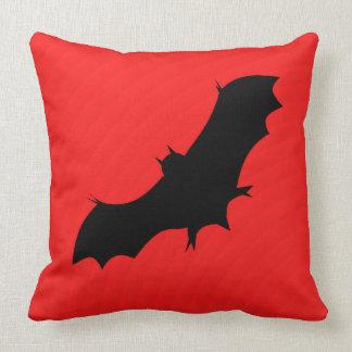 Halloween-Schläger im Rot Kissen