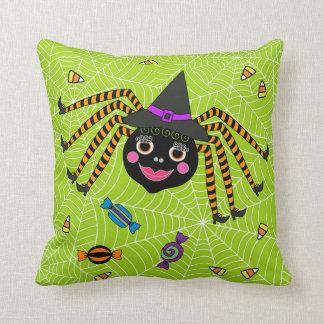 Halloween-Spinnen-Hexe mit Süßigkeit Kissen