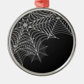 Halloween-Spinnennetze auf schwarzem Hintergrund Rundes Silberfarbenes Ornament