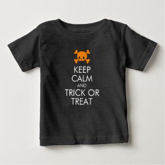 """Halloween-T - Shirt: """"Behalten Sie Ruhe und Baby T-shirt"""