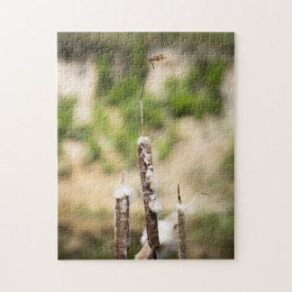 Halloween-Wimpel-Libelle auf einer Cattail-Stange Puzzle