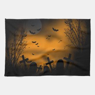 HalloweenGraveyard mit Schlägern und Grabsteinen Handtuch