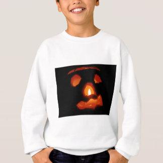 Halloweenkürbis und -kerze sweatshirt