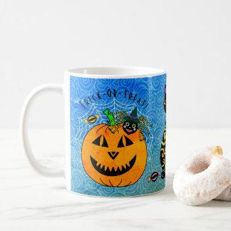 Halloweenspinne, -katze und -kürbis kaffeetasse