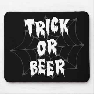 Halloweentrick-oder -Leckerei-Bier Mousepad