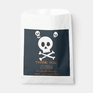 Halloweentrick-oder -Leckerei-niedliche Schädel Geschenktütchen
