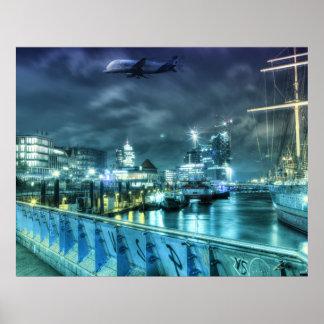 Hamburg Landungsbrücken bei Nacht Poster