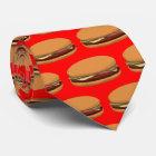 Hamburger, der auf rotem Hintergrund zeichnet Krawatte