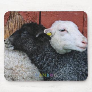 HAMbyWG - schwarze Schaf-weiße Schaf-Mausunterlage Mauspad
