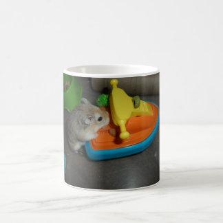 Hamster auf einem Jet-Ski Kaffeetasse