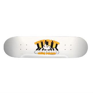 Hamster auf einem Klavier Popcorn essend Personalisiertes Skateboarddeck
