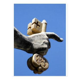 Hand von St Peter mit den Schlüsseln des Himmels Postkarte