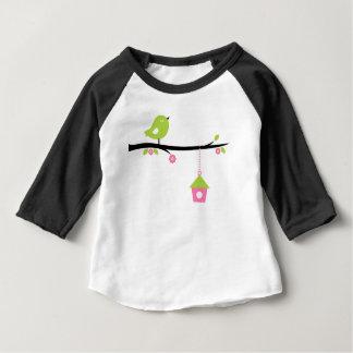 Handgemalter grüner Vogel auf Weiß Baby T-shirt