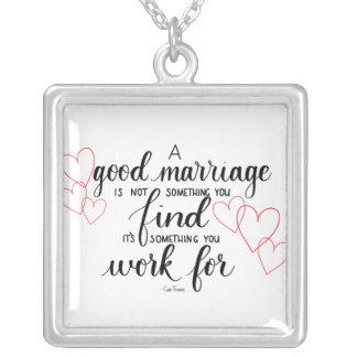 Handlettered Heirat-Zitat-Halskette Versilberte Kette