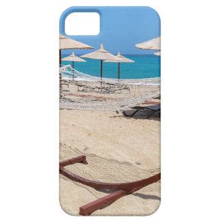 Hängematte mit Strandschirmen an der Küste Barely There iPhone 5 Hülle