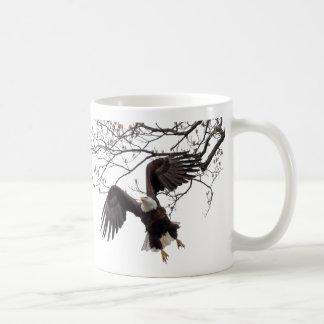 Hängen im mitten in der Luft Kaffeetasse