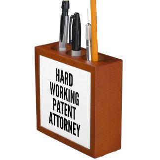 Harter Arbeitspatentanwalt
