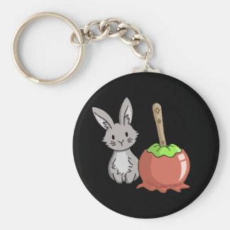 Häschen mit einem Süßigkeitsapfel Schlüsselanhänger