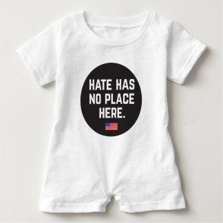 Hass hat keinen Spielanzug des Platzes hier Baby Strampler