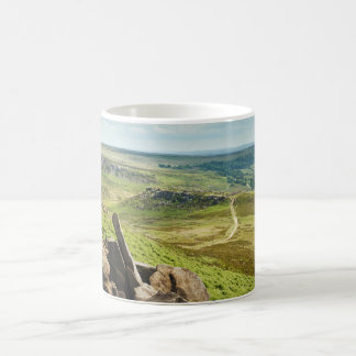 Hathersage machen im Derbyshire-Andenken-Foto fest Kaffeetasse