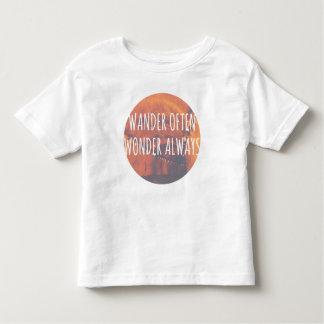 Häufig, wandern Wunder immer Kleinkind T-shirt