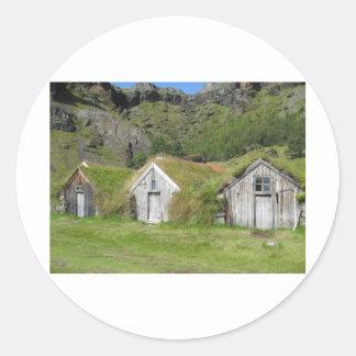Häuser mit Grasdach Runder Aufkleber
