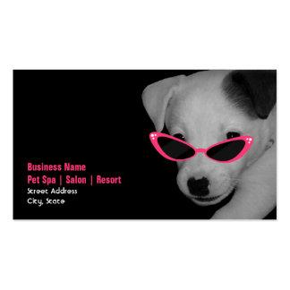 Haustier-Wellness-Center-Salon - Hund mit rosa Visitenkarten