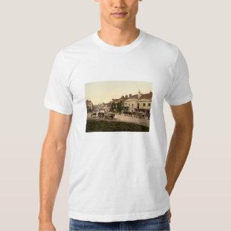 Hautpstraße, Kampf, Sussex, England T-shirt