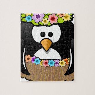 Hawaiischer Penguin mit Blumen und Grasrock Puzzle