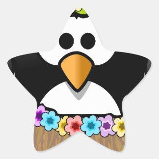 Hawaiischer Penguin mit Blumen und Grasrock Stern-Aufkleber