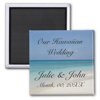 Hawaiisches Wedding Save the Date Quadratischer Magnet