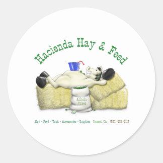Hazienda-Heu u. füttert entspanntes Pferd Runder Aufkleber